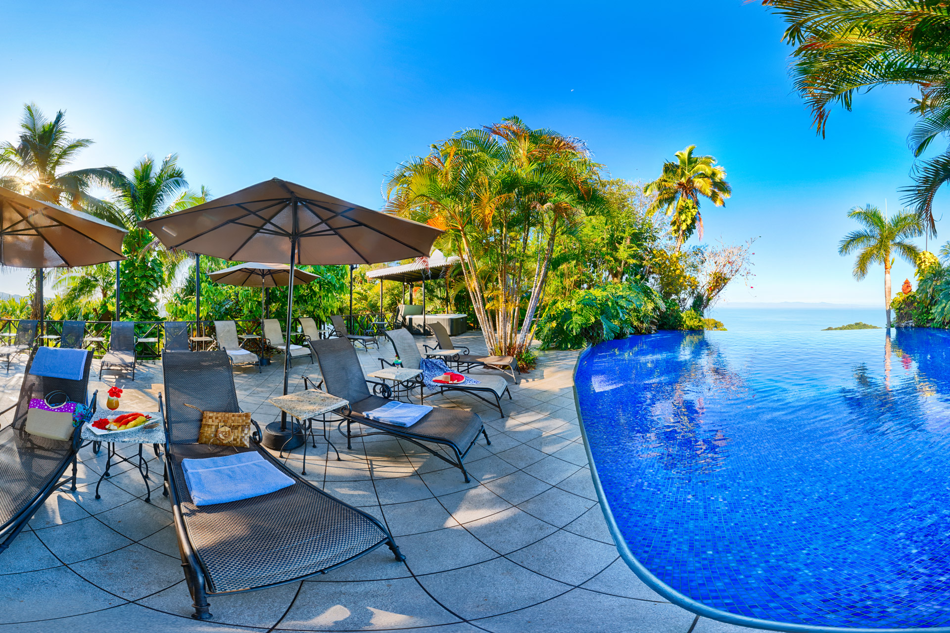 Villa Caletas Amazing infinity pool