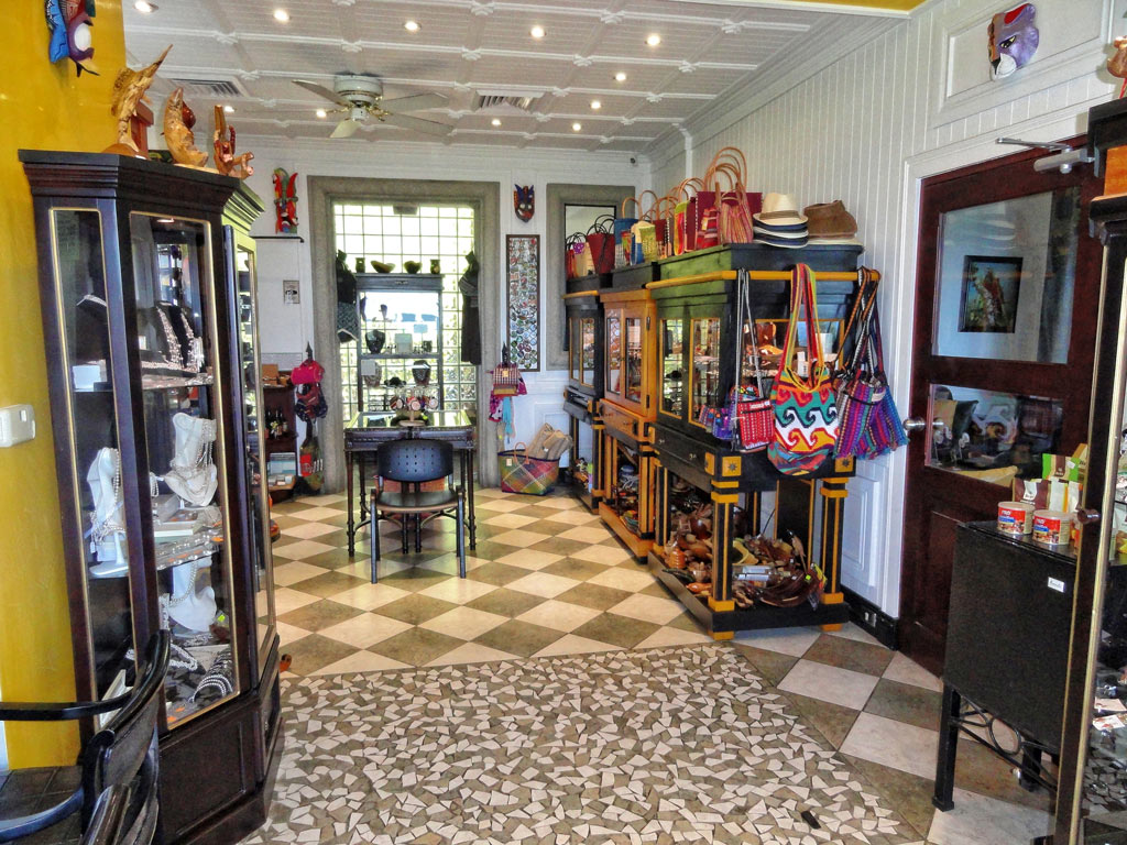 boutique and souvenirs at Hotel Villa Caletas